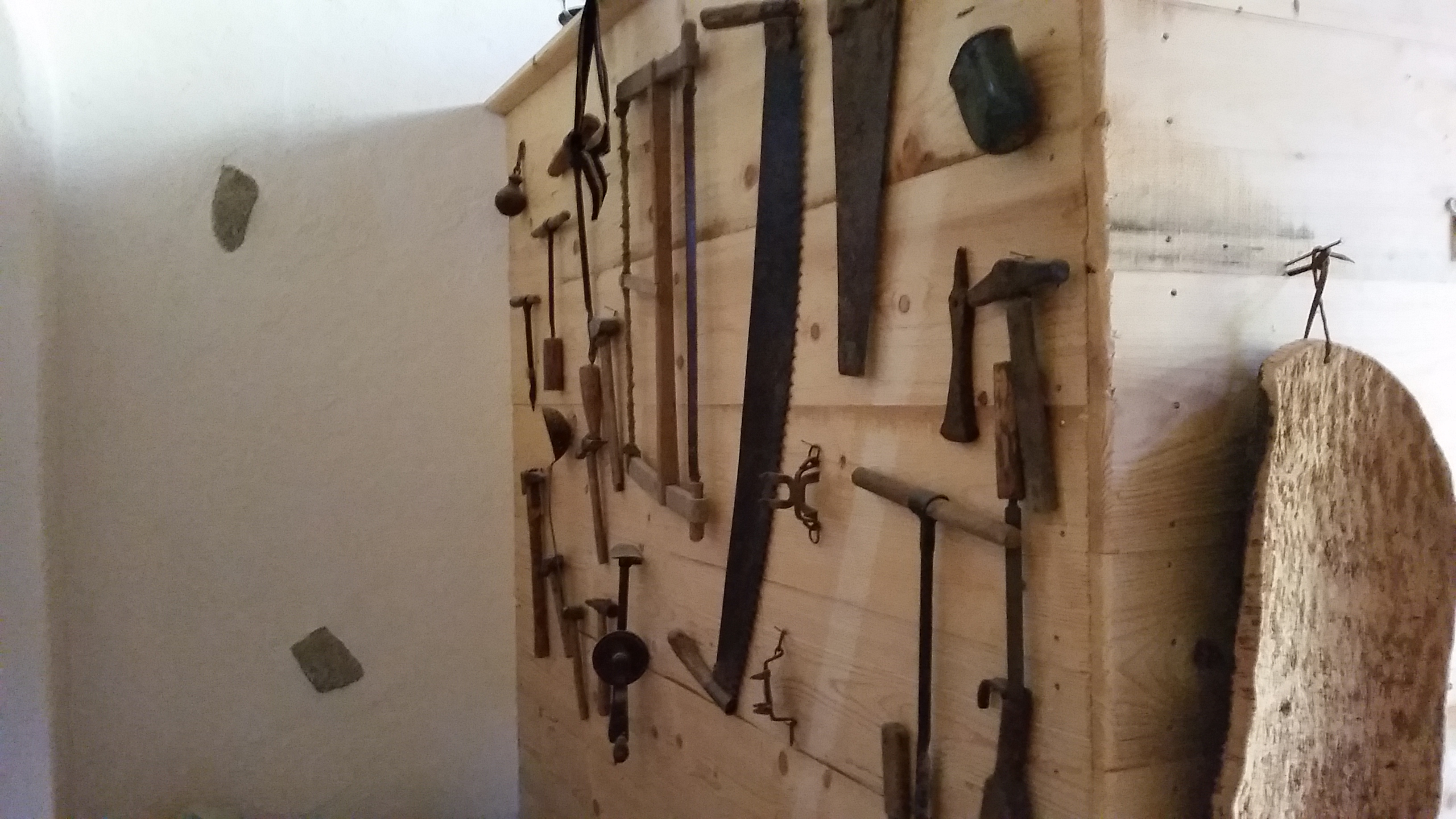 Old Tools Cavria